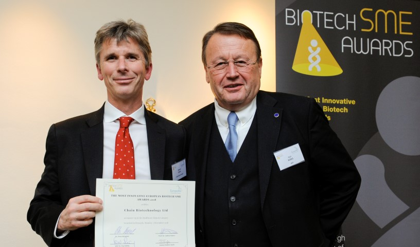 Dr Edward Green (left) receives award from Paul Rübig MEP